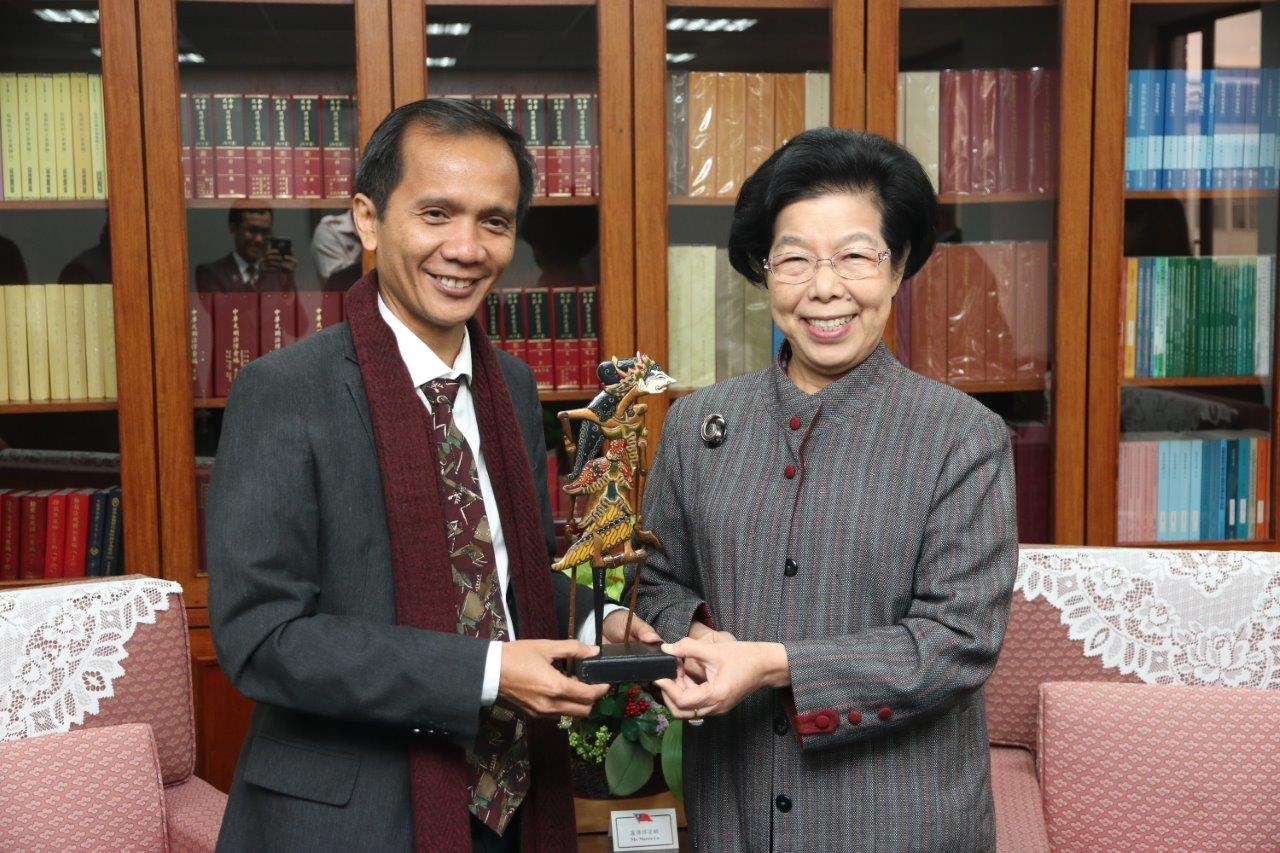 Chairperson of Indonesian National Human Rights Commission (Komnas HAM) visits the Control Yuan